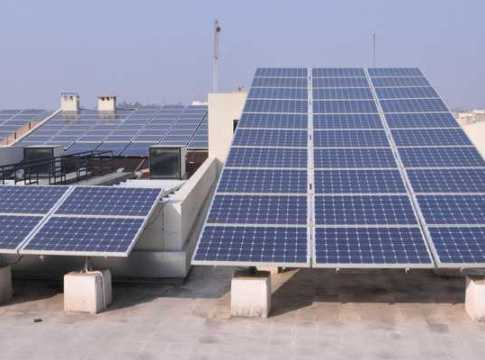 anudan par lagayen ghar par solar panel