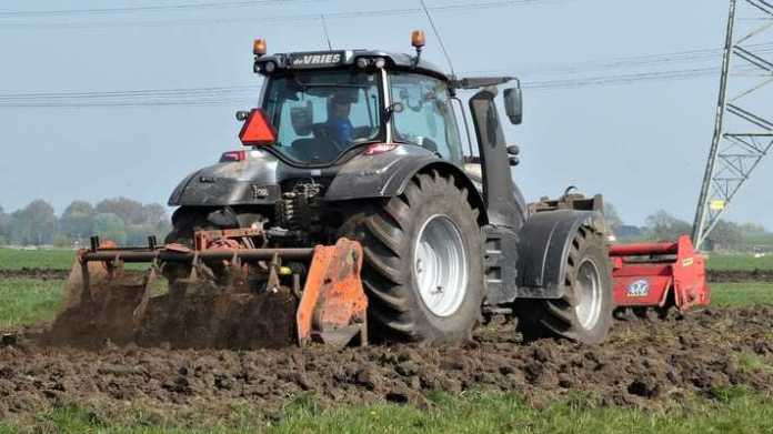 kiraye par tractor krishi yantra